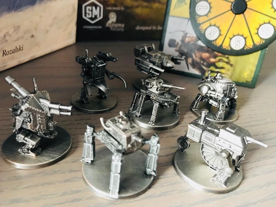 Металлические роботы для настольной игры «Серп». Фото компонентов
